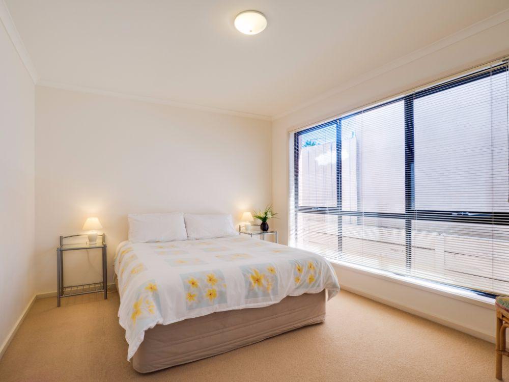master bedroom - Torquay Apartments