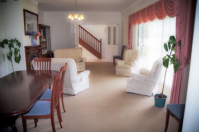 Lounge - Torquay Holiday House